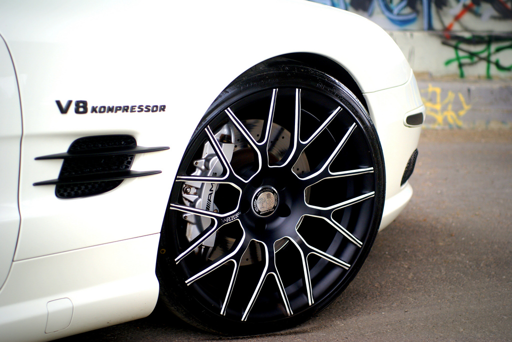 Custom rims the mercedes benz sl 55 amg with lorenzo wheels for Mercedes benz wheels rims