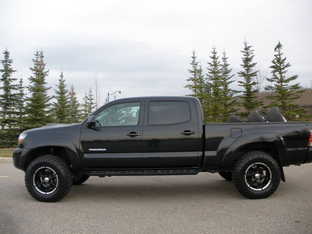 doin work with a toyota tacoma and helo wheels. Black Bedroom Furniture Sets. Home Design Ideas