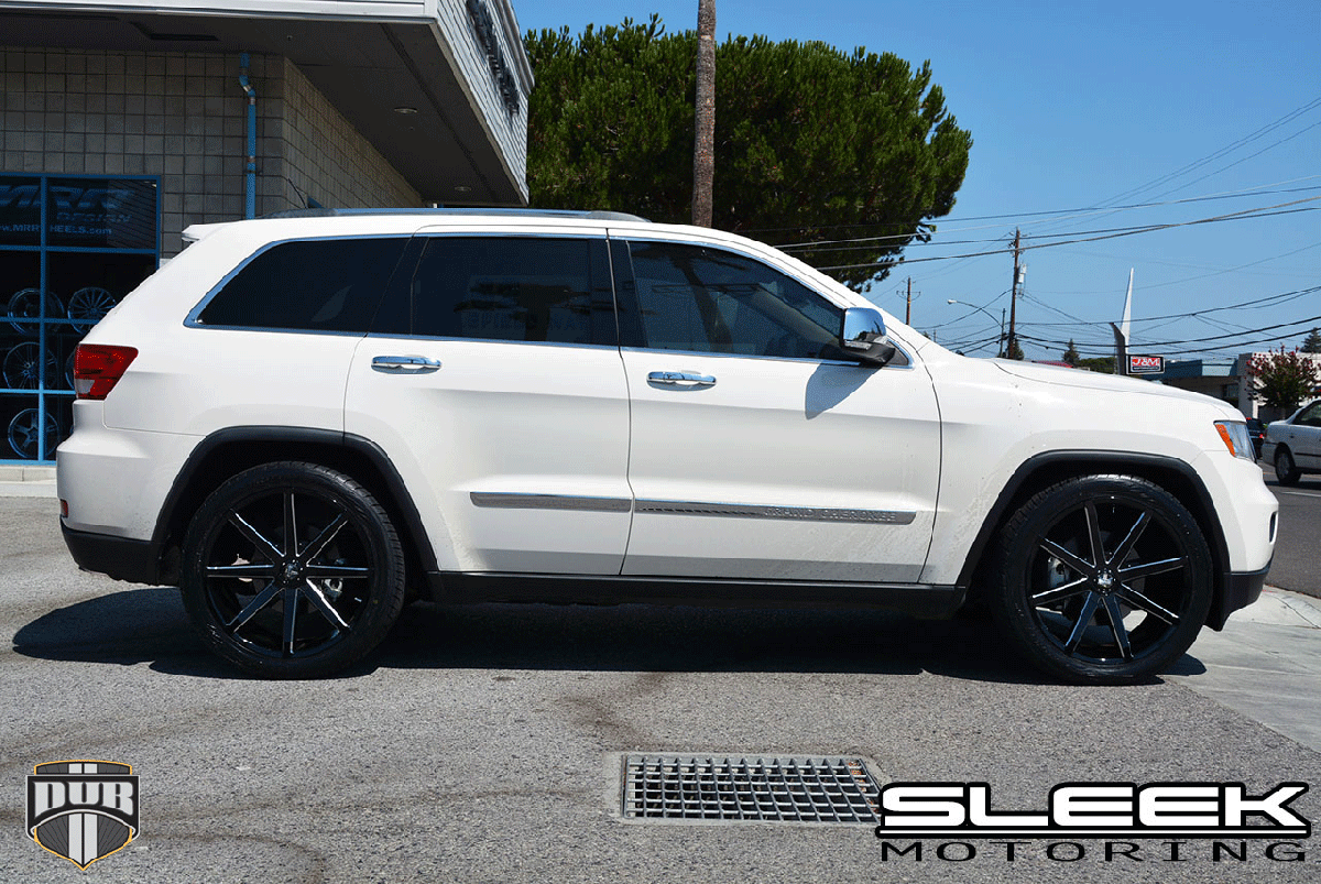 Ride In Style With This Jeep Grand Cherokee With Dub Wheels