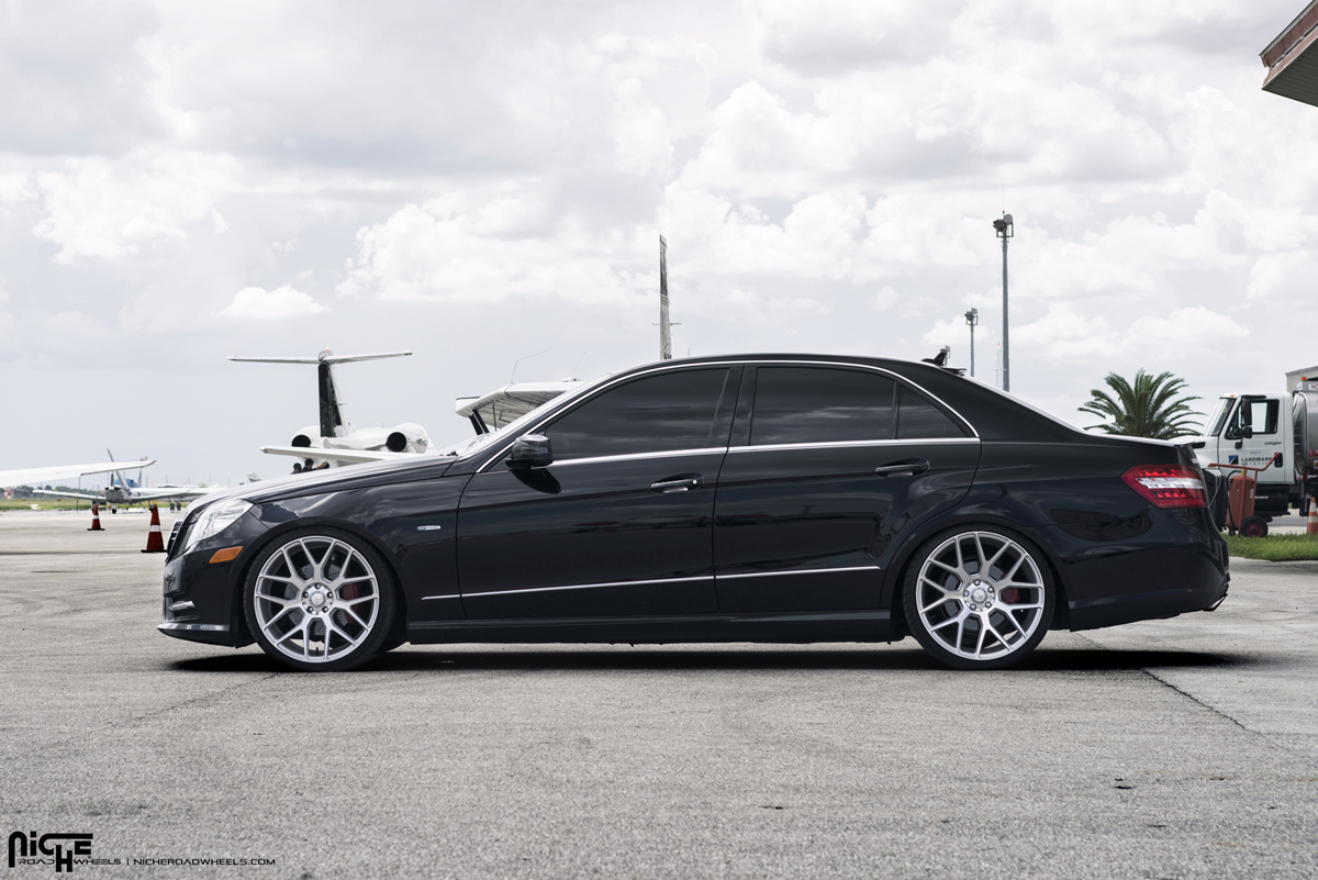 Roll in euro style with this e350 on niche wheels for Mercedes benz wheel