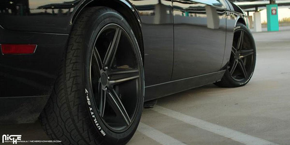Dodge Challenger R?T Niche Apex M126 Wheels