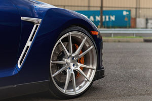 Nissan GT-R Niche Grand Prix Wheels