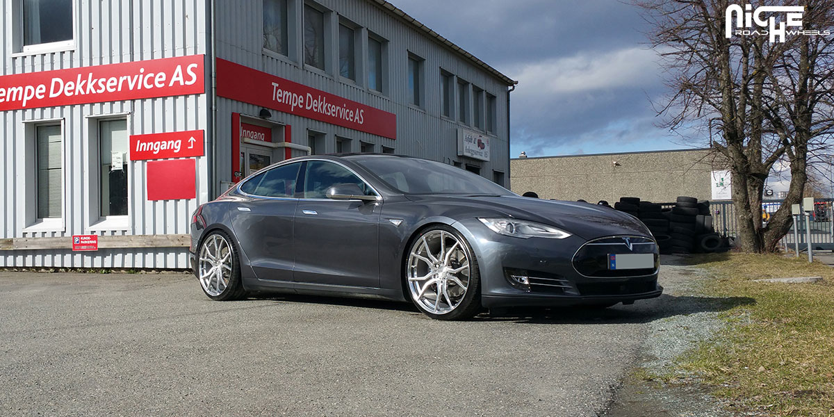 Tesla Model S Custom >> This Tesla Model S On Niche Wheels Is A Silent Custom