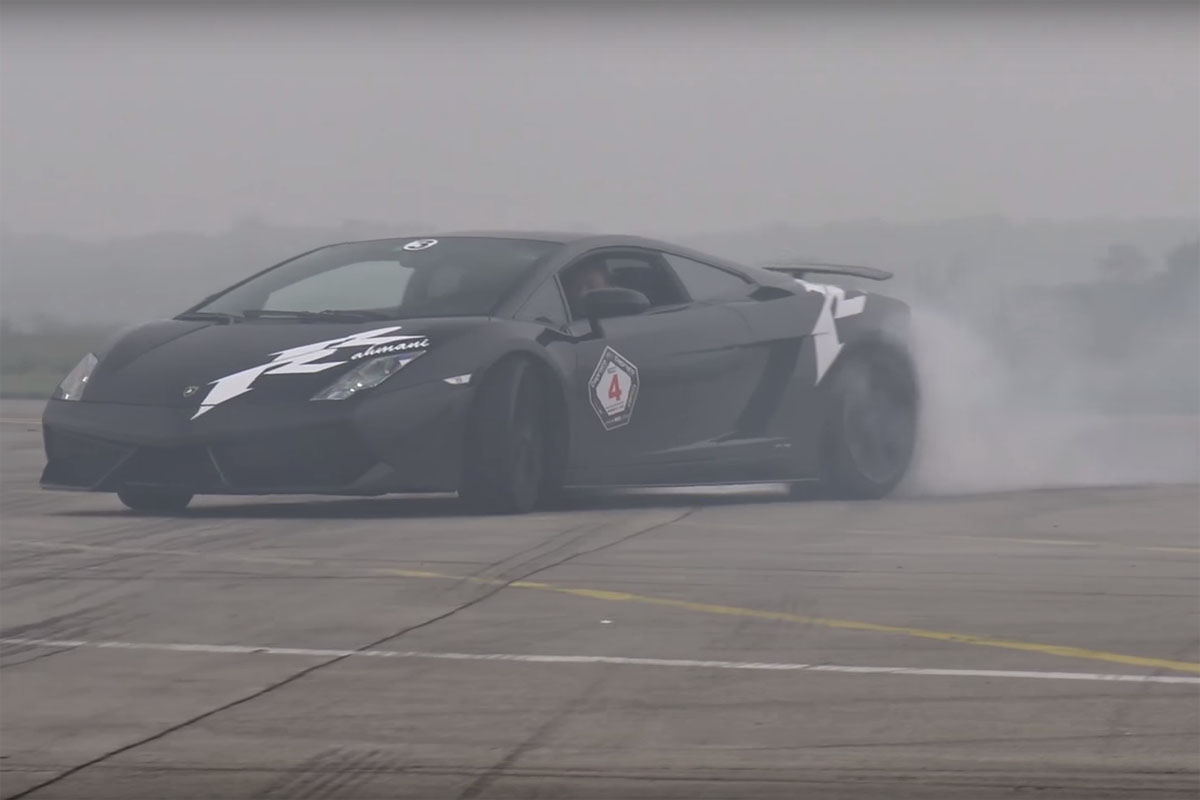 Spin Some Custom Wheels with this Lamborghini Gallardo!