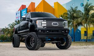 Ford F-250 Super Duty with Fuel FF16 Rims