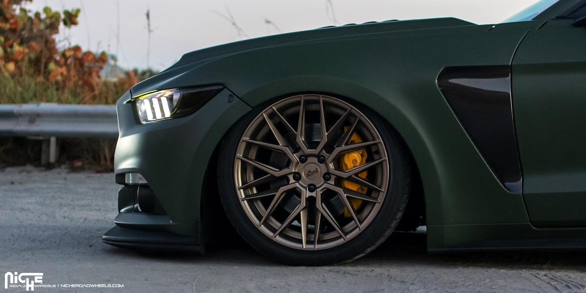 Ford Mustang Niche Gamma - M191 Wheels