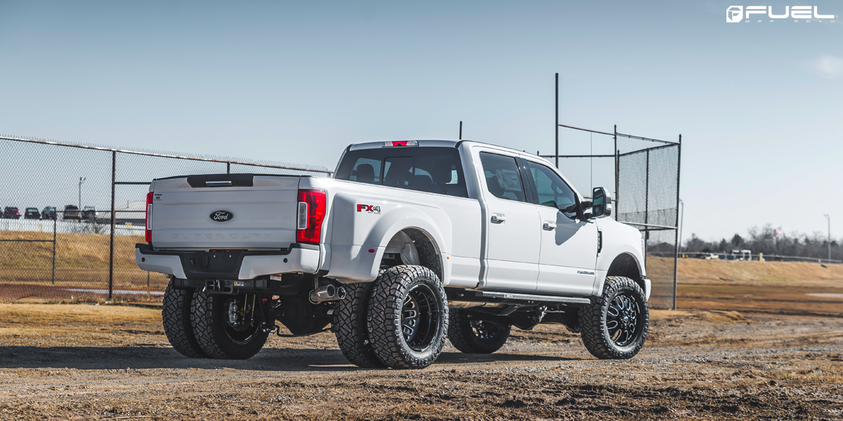 Ford F-350 Super Duty with Fuel FF19D Wheels