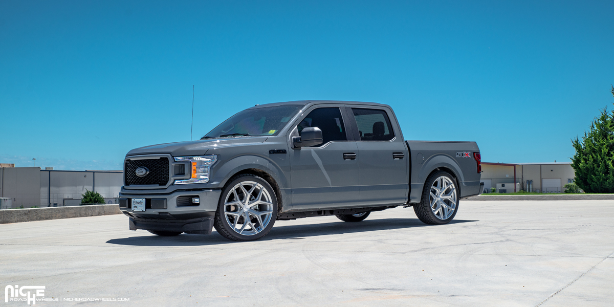 Ford F-150 with Niche Vice - M233 SUV Wheels