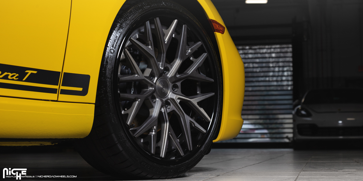Porsche 911 Carrera T Niche Verux Wheels