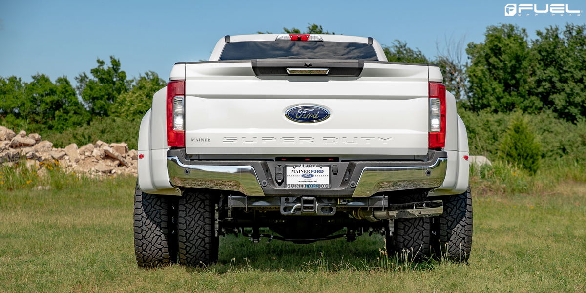 Ford F-350 Super Duty with Fuel Maverick Dually – D538 Wheels