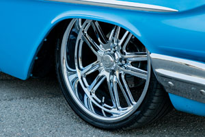 1961 Chevrolet Impala with US Mags Bullet – U131 Wheels