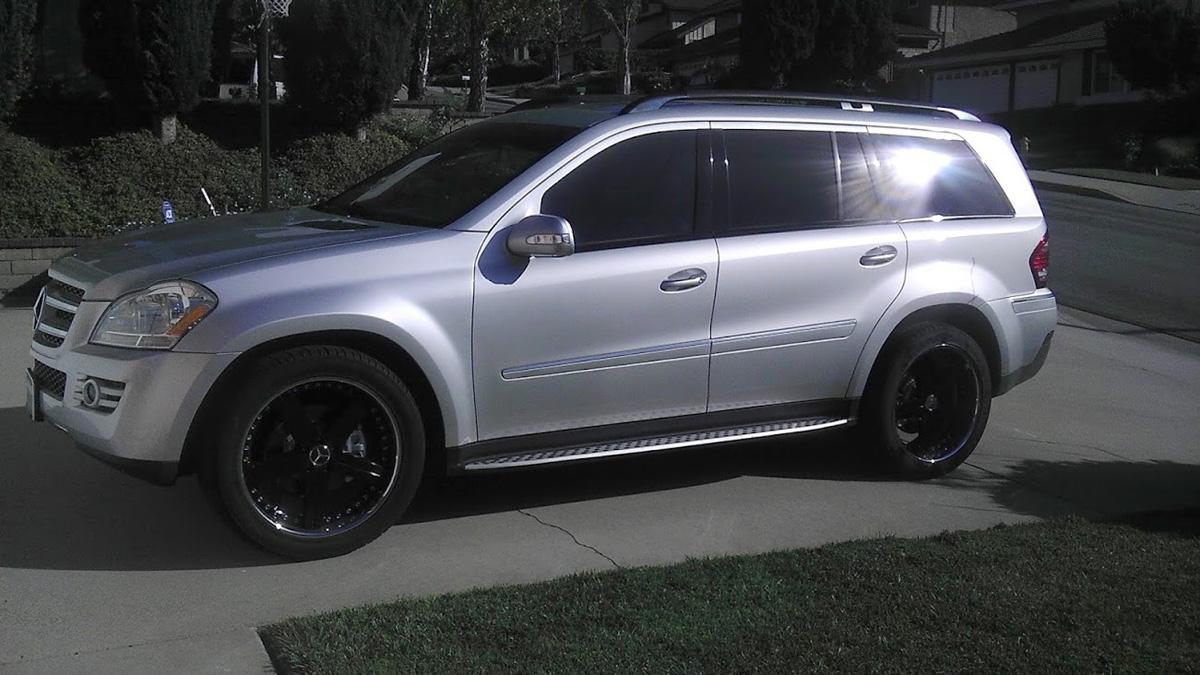 This mercedes benz gl 450 w mandrus mercedes wheels is for Mercedes benz gl450 tires
