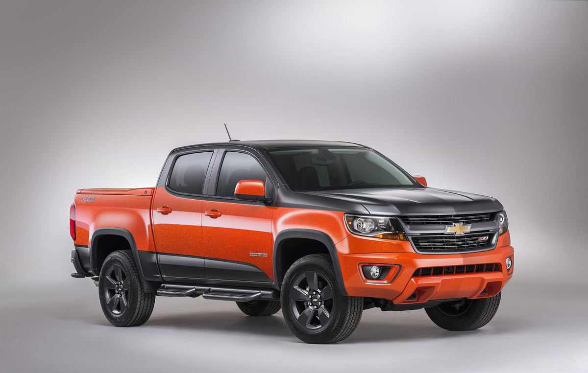 the chevy colorado with off road wheels and nautique boat go to sema. Black Bedroom Furniture Sets. Home Design Ideas