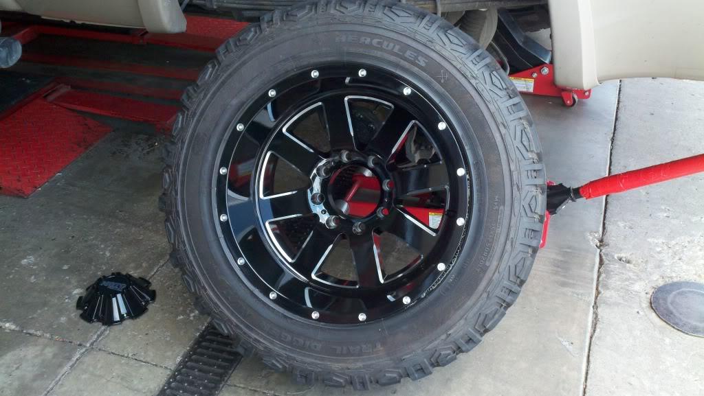 ford f250 w 20 moto metal 962 wheel and tire package wheelhero. Black Bedroom Furniture Sets. Home Design Ideas