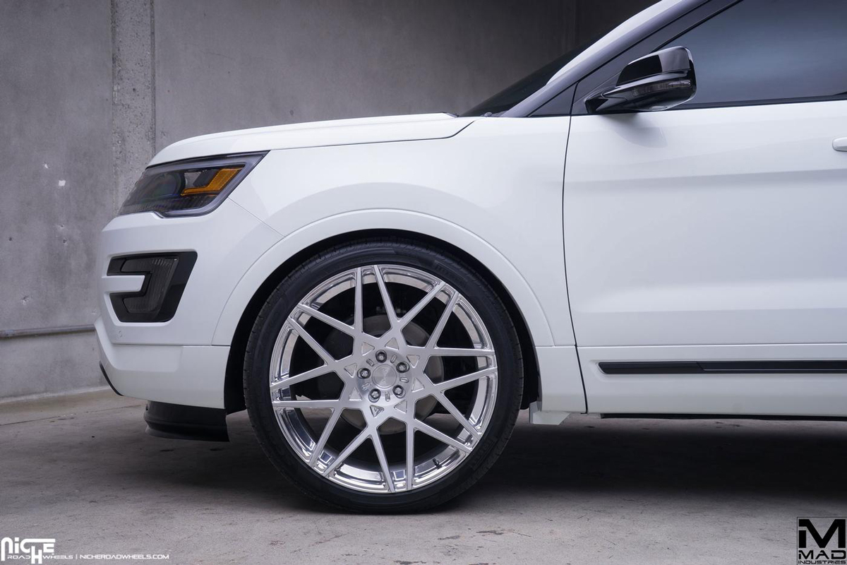 Ford Explorer Black Rims >> Cruising in Style with the Ford Explorer and Niche Wheels